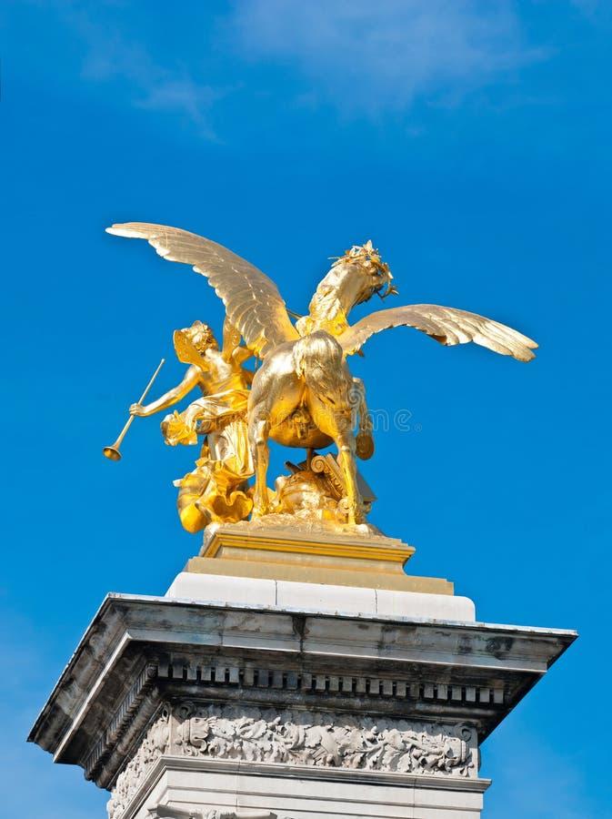 Download Estátua dourada das famas imagem de stock. Imagem de europa - 26502479