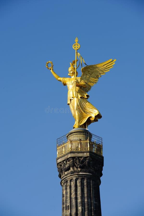 Estátua dourada em Berlim fotografia de stock