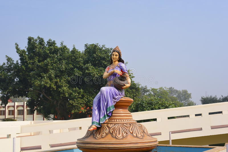 Estátua em Agroha Dham, um templo hindu muito famoso em Agroha, Haryana, Índia imagens de stock