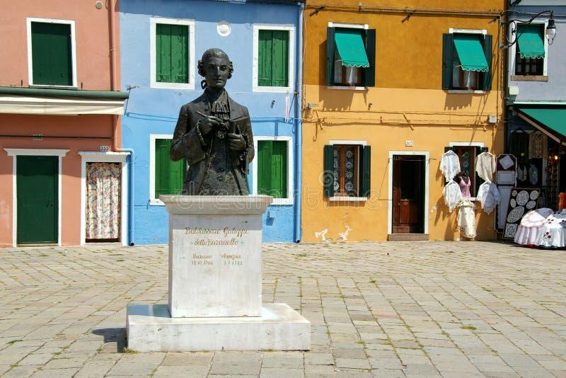 Estátua em Burano, Italy foto de stock