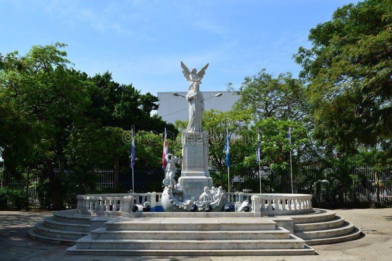 Estátua em honra de Ruben Dario, em Managua, Nicarágua fotos de stock royalty free