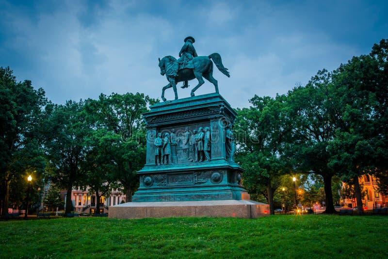 Estátua em Logan Circle na noite, em Washington, C.C. foto de stock royalty free