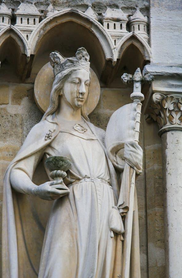 Estátua em Notre Dame, Paris fotos de stock