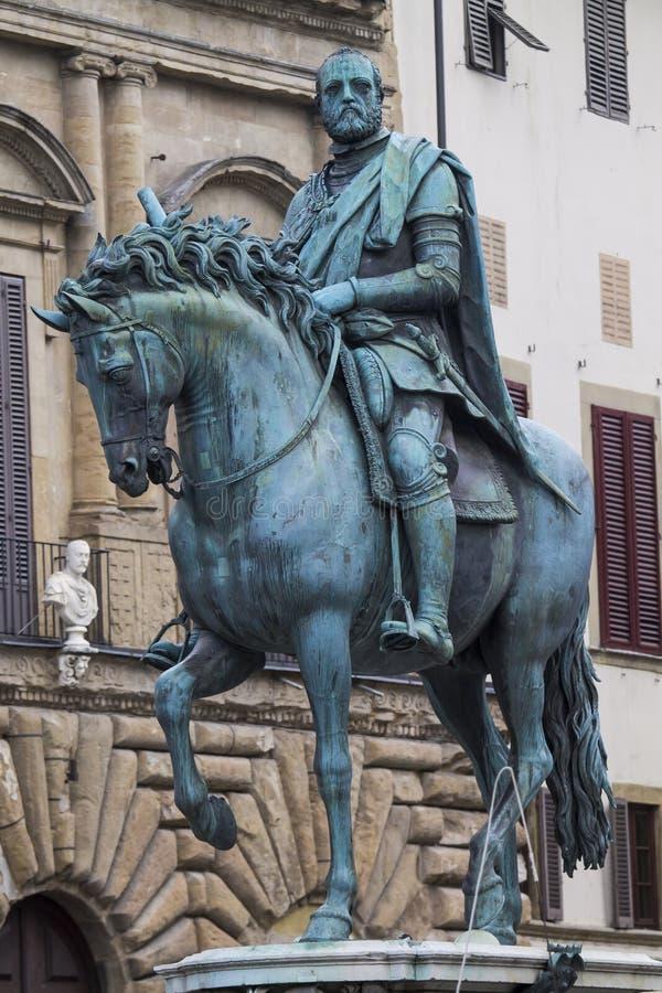 Estátua equestre de Cosimo mim de ` Medici fotos de stock