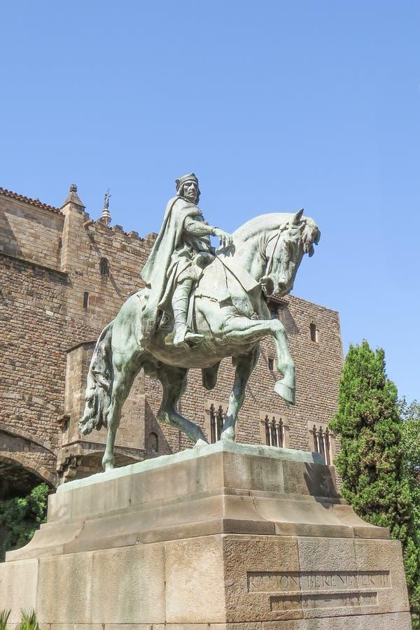 Estátua equestre dedicada para contar Ramon Berenguer fotografia de stock
