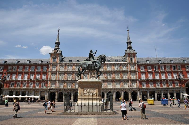 Estátua equestre do rei Philip III no prefeito da plaza no Madri imagens de stock