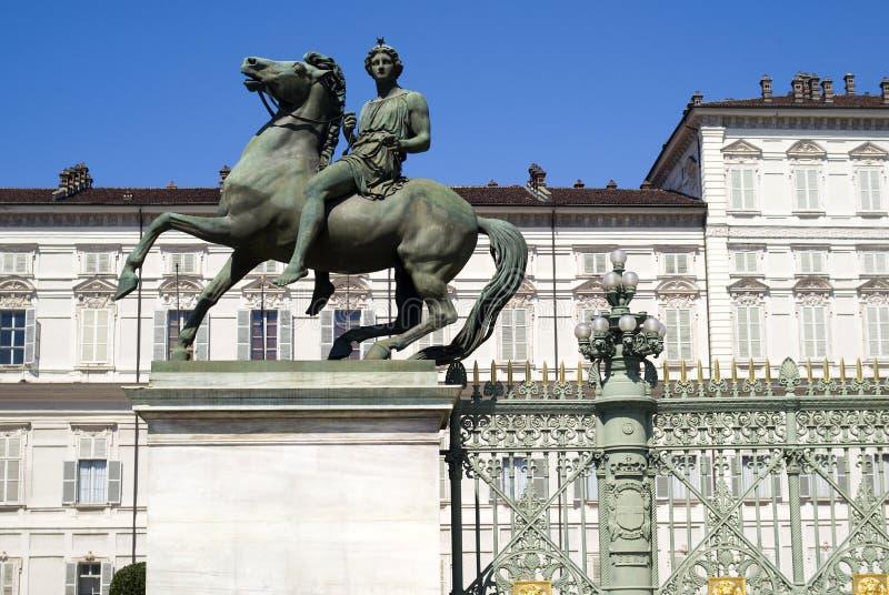 Estátua equestre em Turin fotografia de stock royalty free