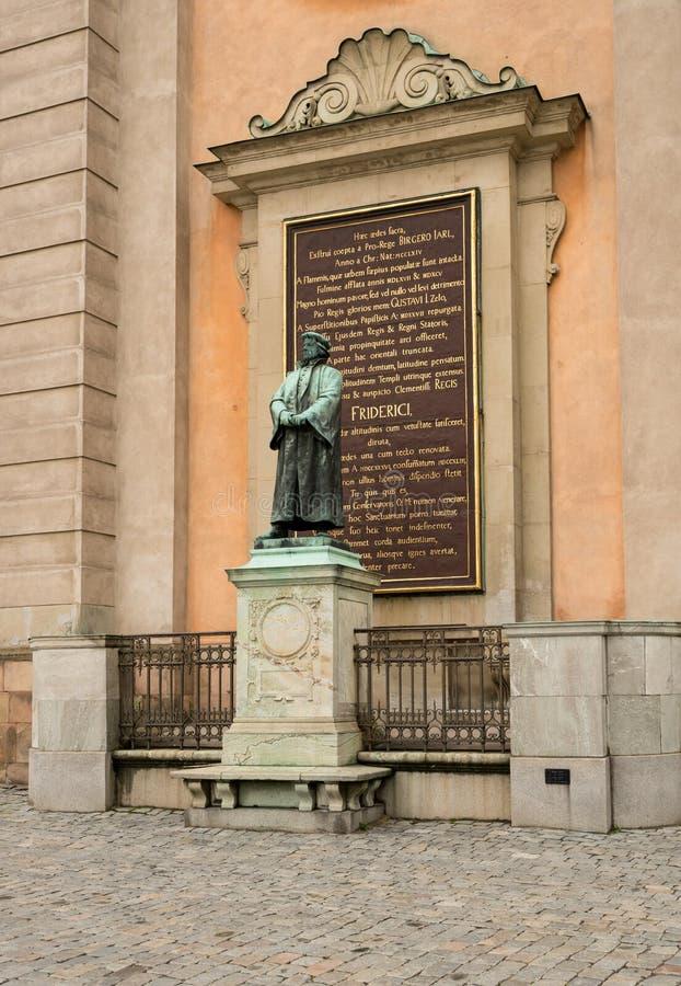 Estátua a Friderici por Royal Palace em Éstocolmo fotos de stock