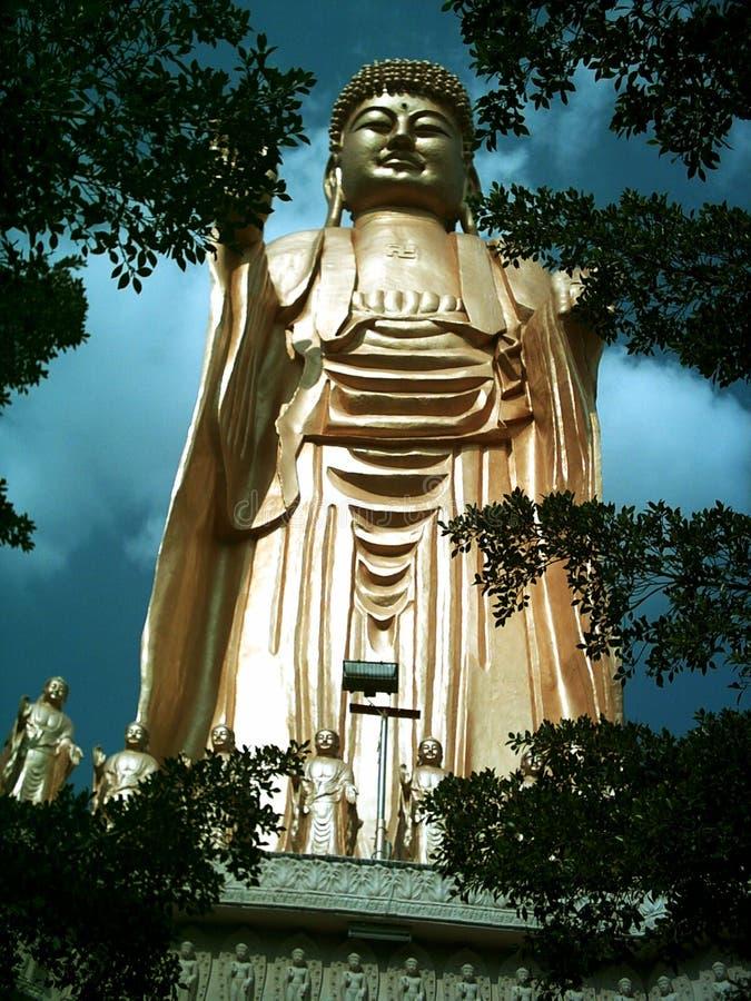 Estátua gigante de buddha imagens de stock