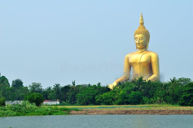 Estátua gigante de buddha imagens de stock royalty free