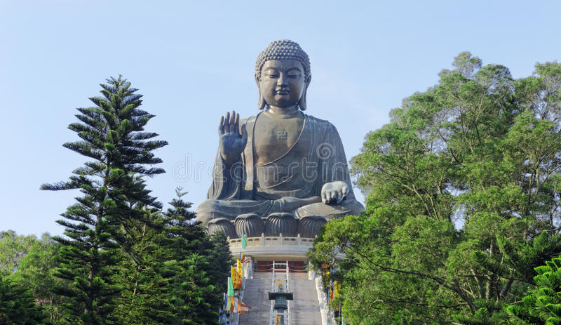 Estátua gigante de Buddha em Tian Tan fotografia de stock