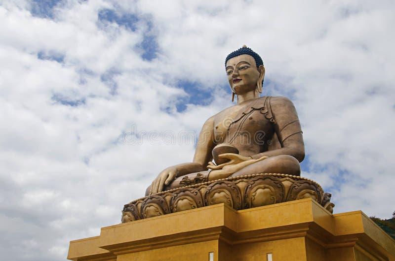 Estátua gigante de Dordenma da Buda Estátua da Buda de Shakyamuni sob a construção nas montanhas thimphu imagens de stock