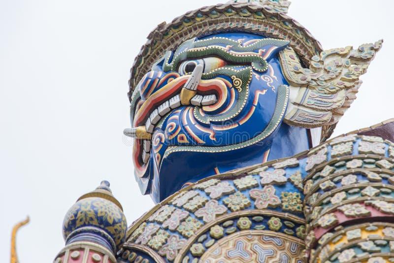 Estátua gigante em Wat Phra Kaew imagem de stock royalty free