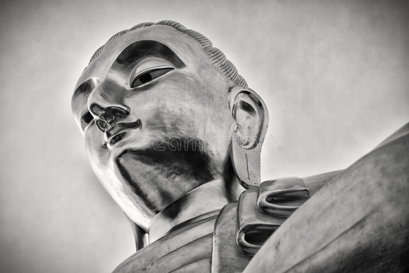 Estátua gigante Tailândia da Buda, preto e branco fotografia de stock royalty free