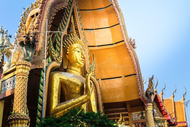 Estátua grande da Buda em Tiger Cave Temple (Wat Tham Sua), Kanchanab imagens de stock royalty free