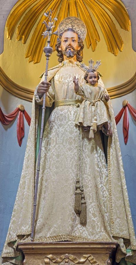 Estátua investida tradicional de Córdova - de St Joseph em Igreja Eremita de Nuestra Senora del Socorro no altar lateral de 18 ce foto de stock
