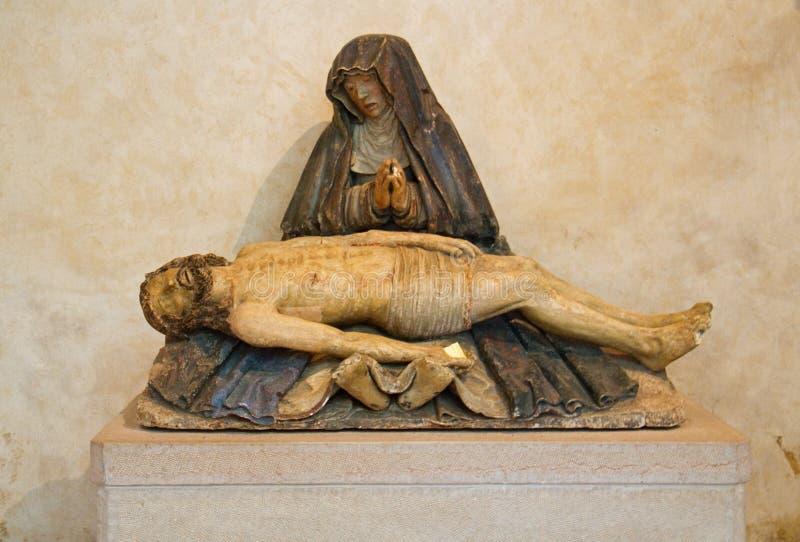 Estátua medieval do Pieta imagens de stock royalty free