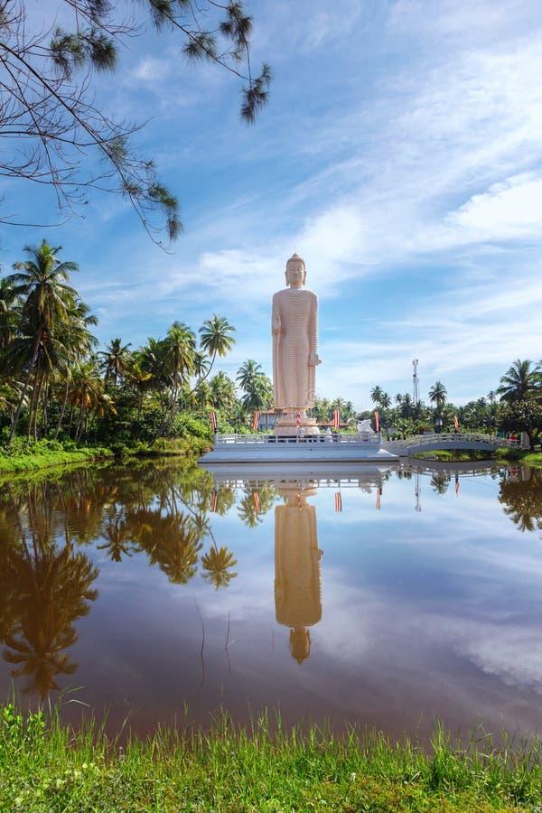 A estátua memorável do tsunami famoso, situada na vila de Peraliya, ao lado de Hikkaduwa, Sri Lanka fotos de stock royalty free