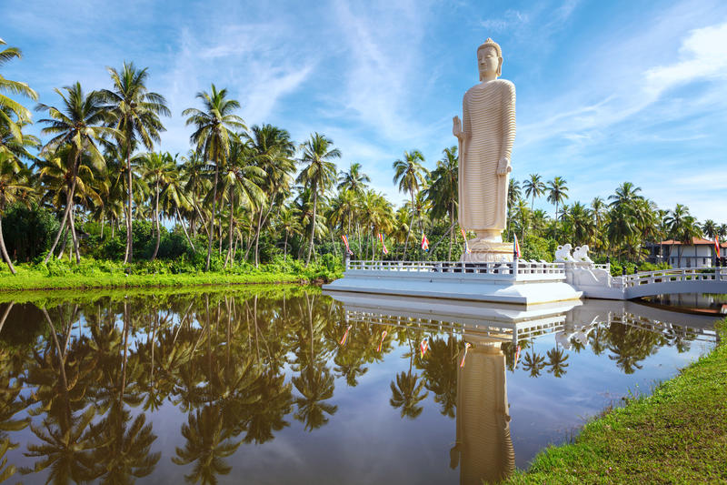 A estátua memorável do tsunami famoso, situada na vila de Peraliya, ao lado de Hikkaduwa, Sri Lanka imagem de stock royalty free