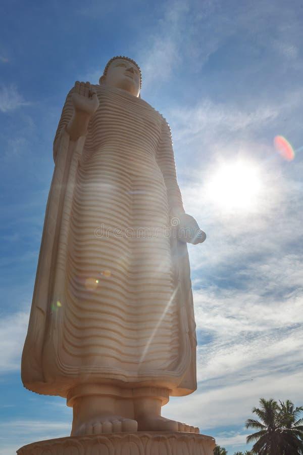 A estátua memorável do tsunami famoso, situada na vila de Peraliya, ao lado de Hikkaduwa, Sri Lanka imagens de stock royalty free