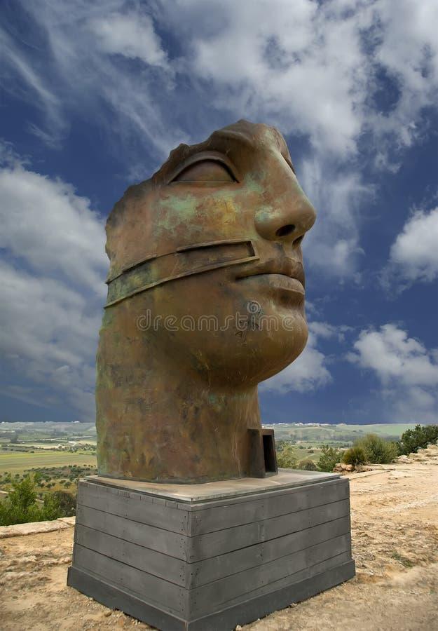 Estátua na área arqueológico de Agrigento, Sicília, Itália fotos de stock