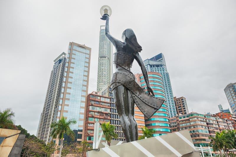 A estátua na avenida de protagoniza em Hong Kong fotografia de stock royalty free
