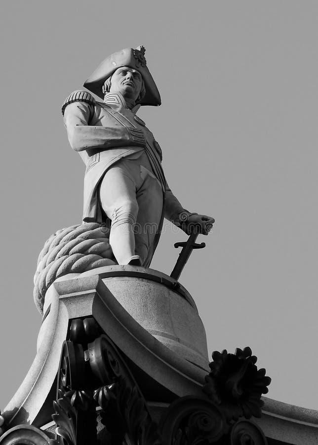 A estátua na coluna de Nelsons fotografia de stock