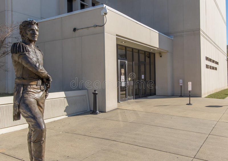 Estátua na frente de Montgomery County Courthouse imagem de stock royalty free