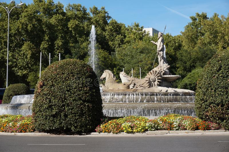 Estátua Netuno no centro de Madrid Espanha foto de stock