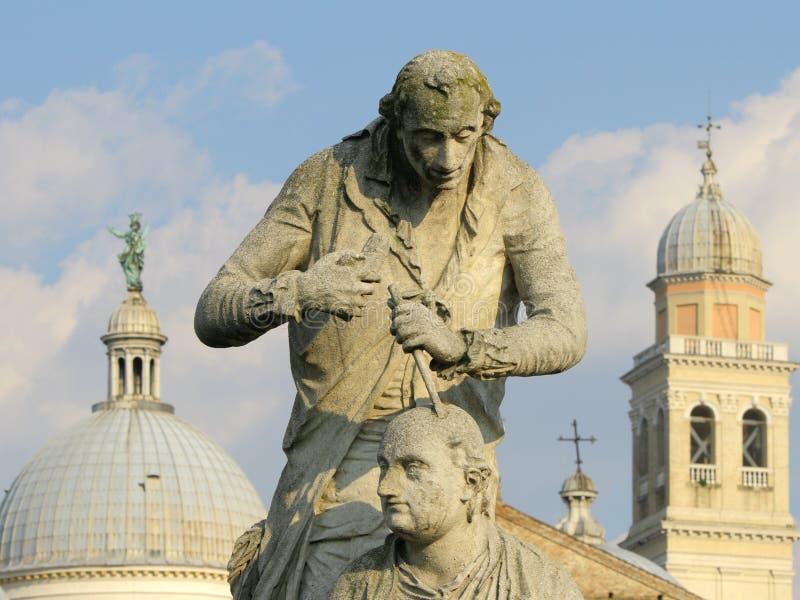 Estátua no della Valle de Prato da plaza em Pádua fotos de stock