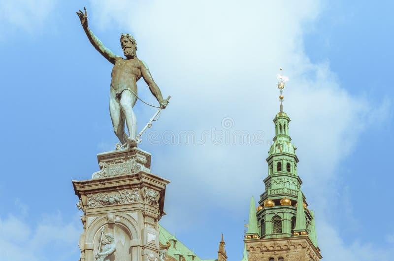Estátua no palácio de Frederiksborg em Dinamarca imagem de stock royalty free