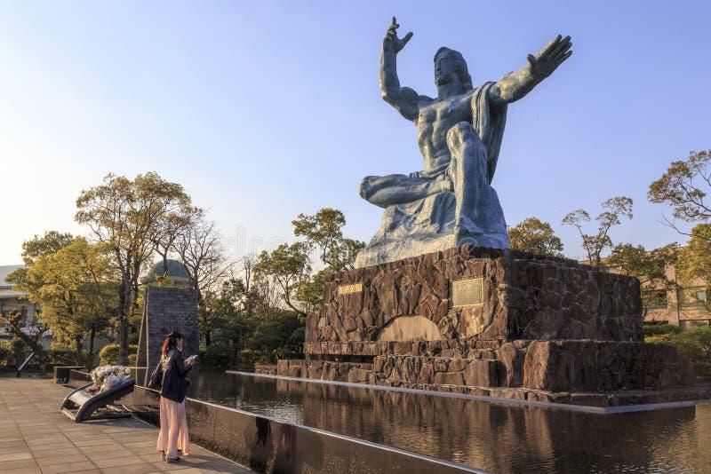 Estátua no parque da paz em Nagasaki foto de stock royalty free
