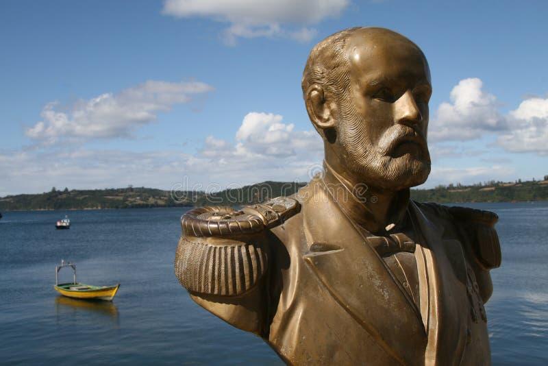 Estátua no porto de Chiloe imagem de stock royalty free