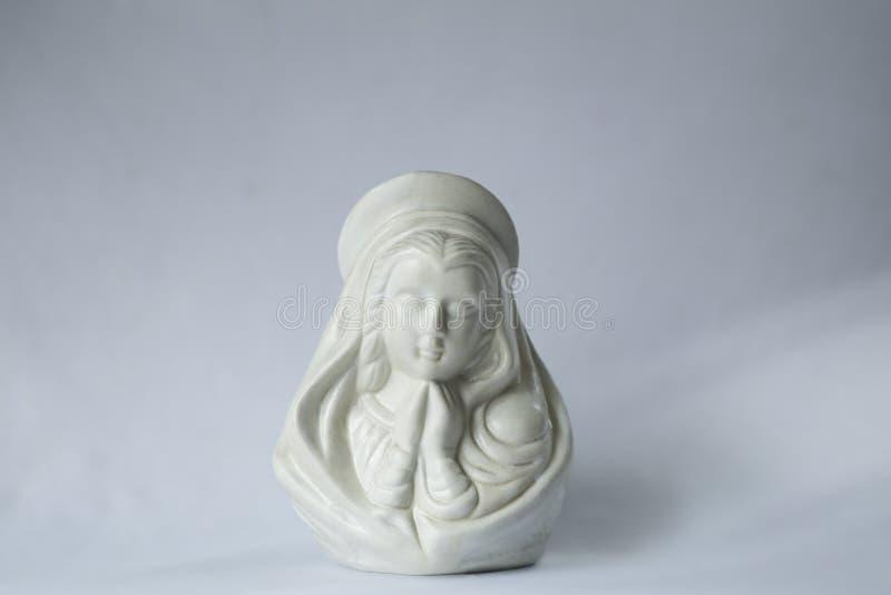 Estátua pequena da mãe Mary fotografia de stock