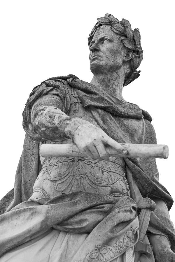 Estátua romana de Julius Caesar do imperador isolada sobre o fundo branco fotografia de stock