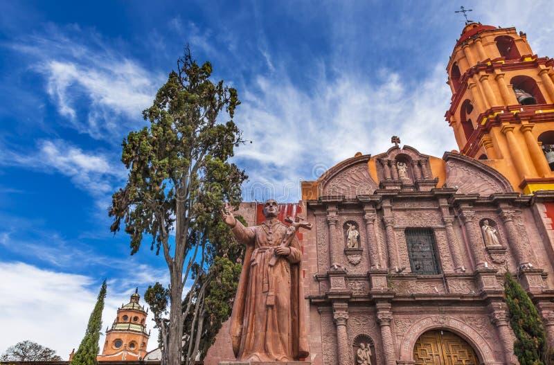 Estátua San Felipe Neri Church San Miguel de Allende México de Espinosa fotografia de stock royalty free