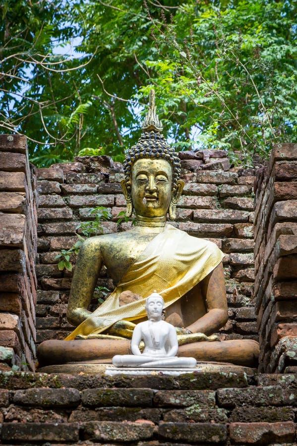 Estátua velha da Buda em Wat Chet Yod, templo de sete pagodes em Chiang Mai, Tailândia Wat Chet Yod era local do oitavo budista d fotografia de stock royalty free