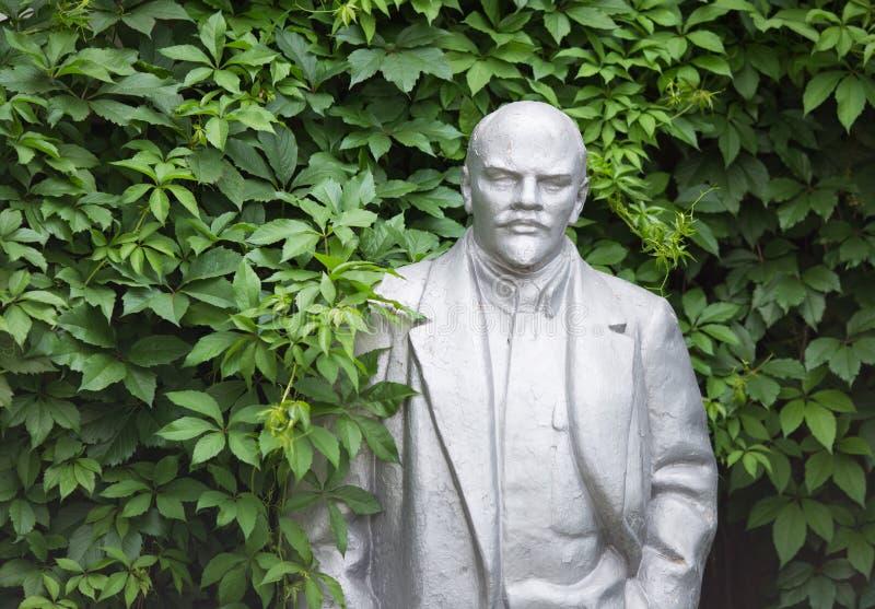 Estátua velha de Lenin fotografia de stock