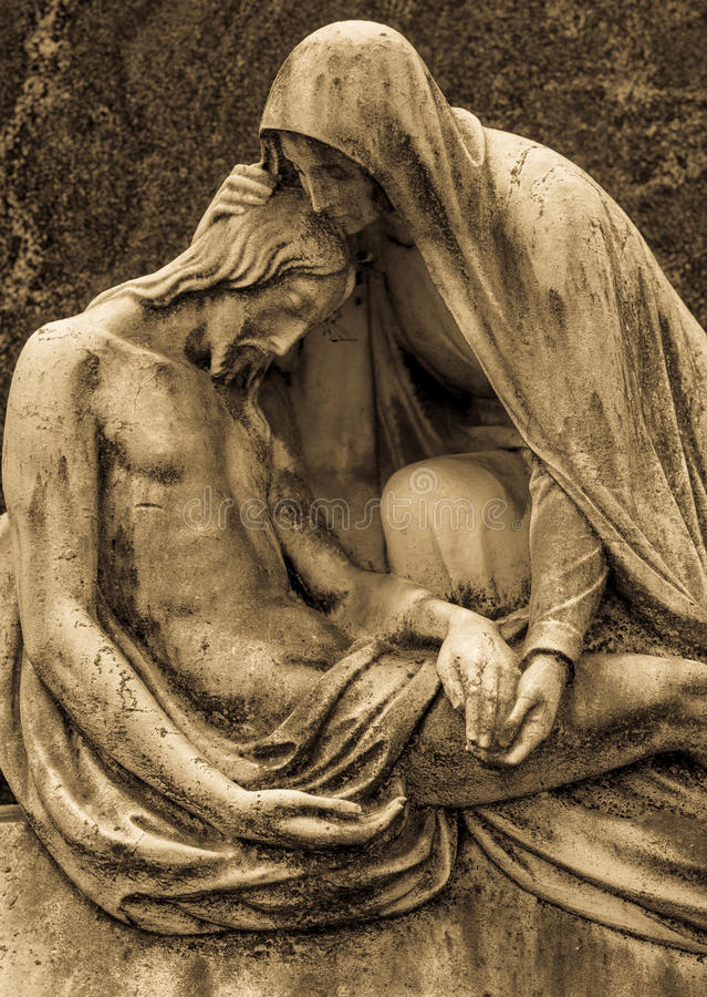 Estátua velha do cemitério foto de stock royalty free