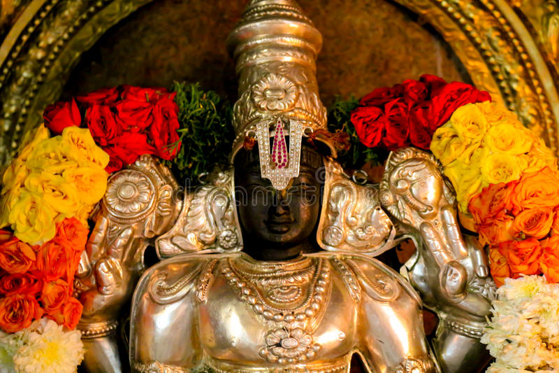 Estátua Vishnu do templo hindu imagens de stock royalty free