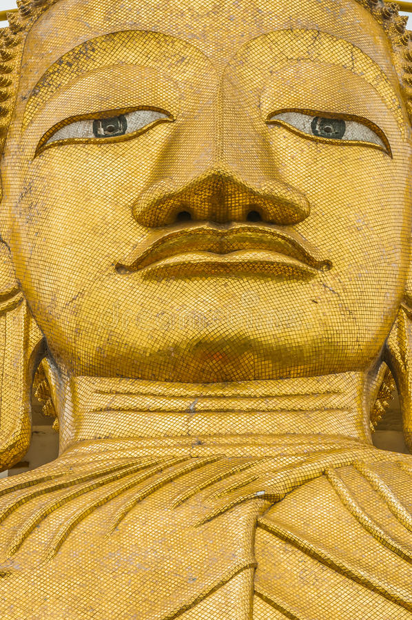 Estátua Wat Intharawihan Banguecoque Tailândia de Buddha foto de stock royalty free