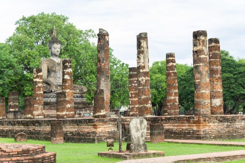 Estátuas da Buda na capital antiga de Wat Mahathat de Sukhothai, Tailândia foto de stock royalty free