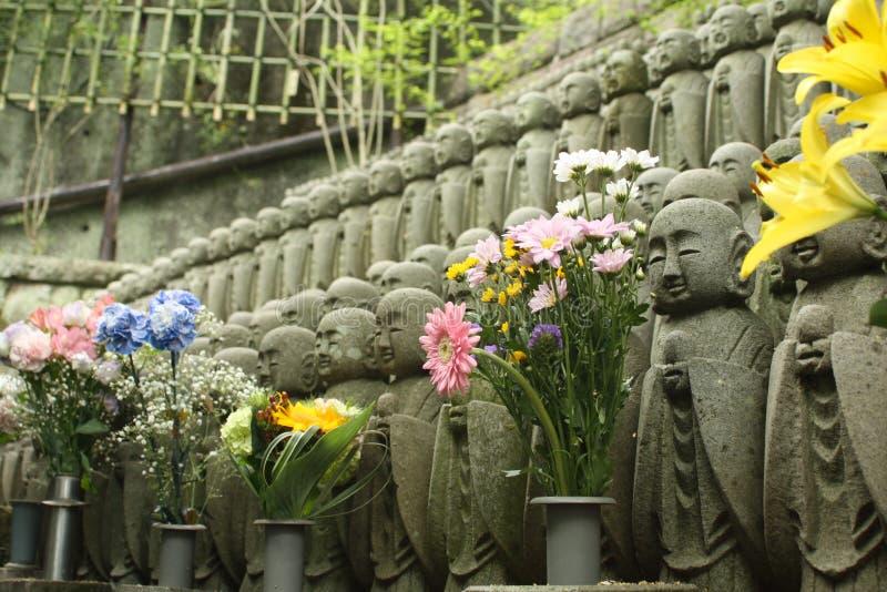 Estátuas da Buda no templo de Hase-Dera imagem de stock