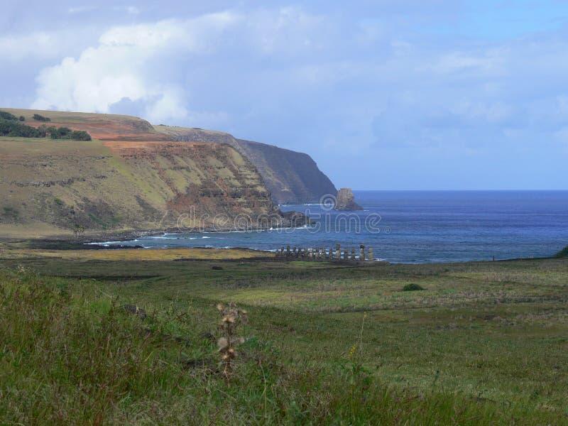 Estátuas da pedra de Moai em Rapa Nui fotografia de stock royalty free