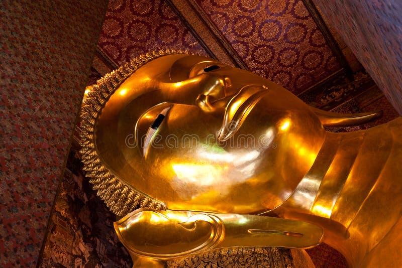 Estátuas de Buddha em Wat Pho imagens de stock royalty free