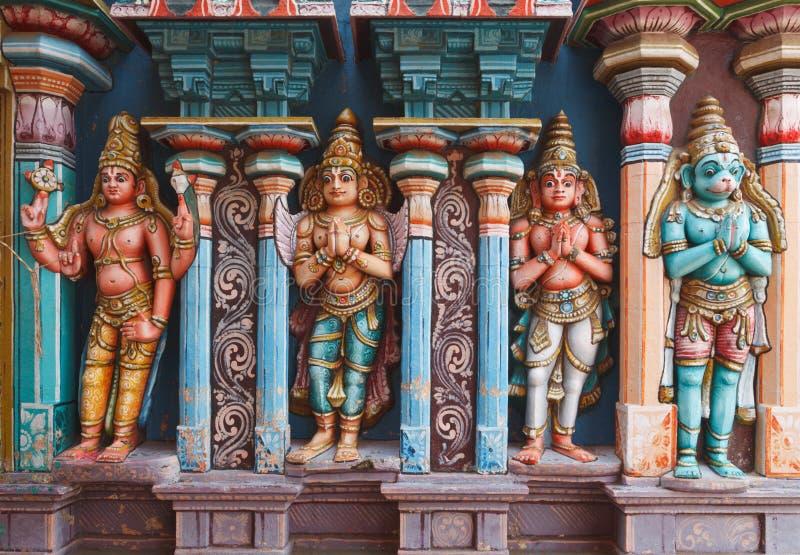 Estátuas de Hanuman no templo Hindu imagem de stock royalty free