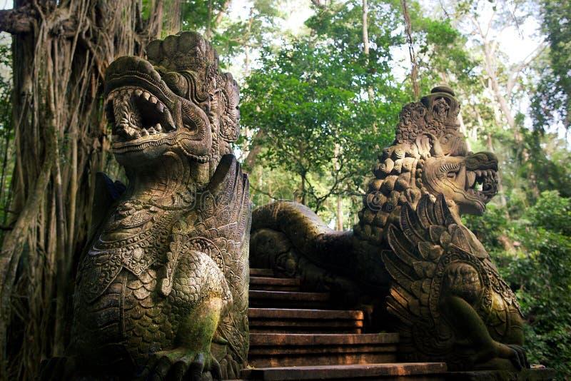 Estátuas do dragão foto de stock royalty free