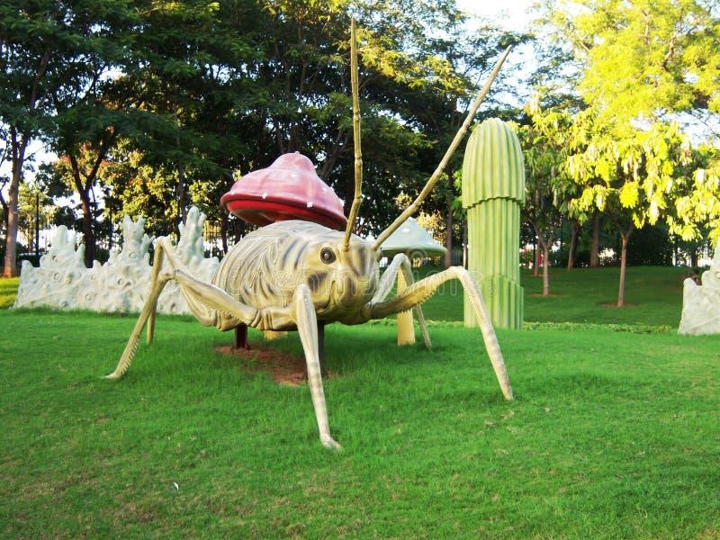 Estátuas do inseto no jardim de Indira Park, Hyderabad fotografia de stock royalty free