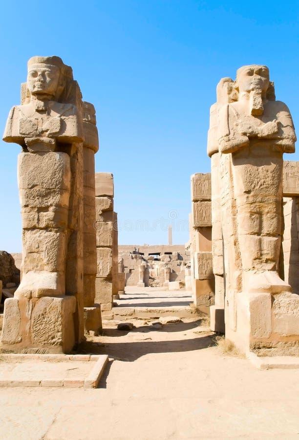 Estátuas do templo de Karnak imagem de stock royalty free