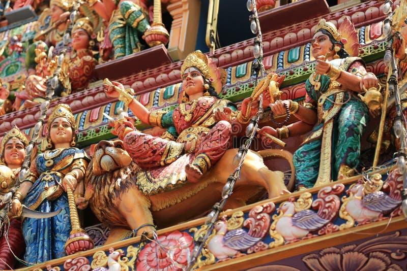 Estátuas do templo em pouca Índia, Singapura de Sri Veeramakaliamman imagens de stock royalty free